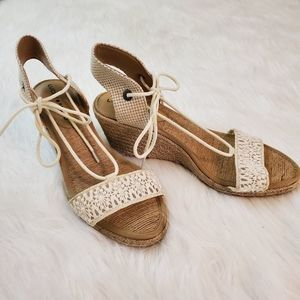 **Lucky Brand Sz 8.5 Laced Espadrille Wedge Heels